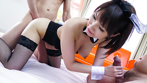 Big tits Mikuni Maisaki gives warm Asian blow job