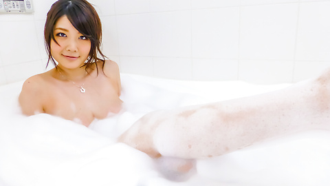 Rie Tachikawa takes a bath in amateur asian sex videos
